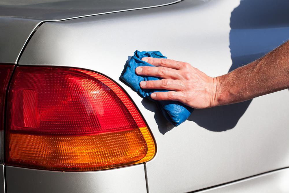 detailing a car